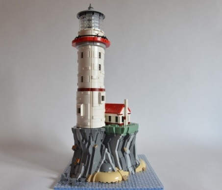 LEGO-Ideas-Motorized-Lighthouse-1